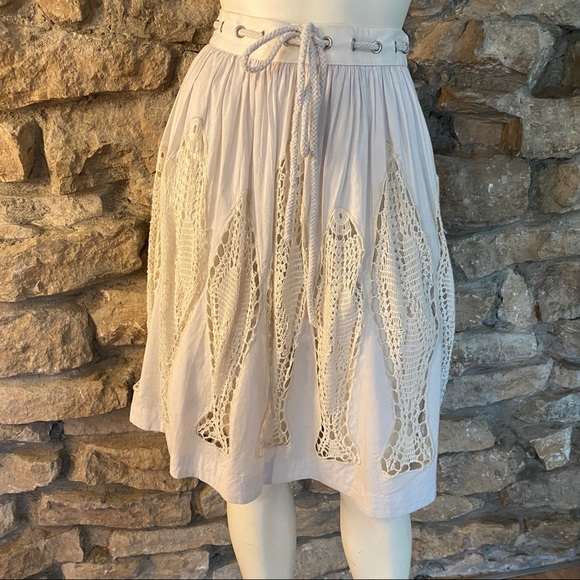 Floreat Dresses & Skirts - FLOREAT SKIRT W CROCHETED LACE INSETS SIZE SMALL